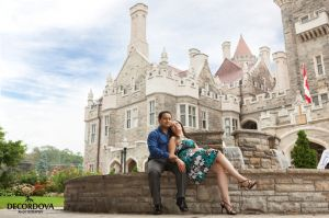 03-toronto-engagement-photographer-casa-loma.jpg