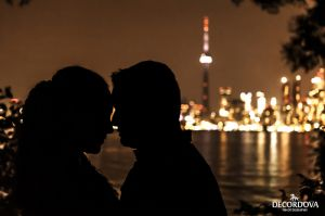 11-toronto-island-night-skyline-engagement-photo.jpg
