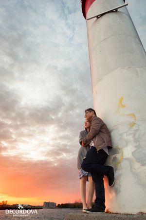 16-whitby-light-house-engagement-photography.jpg
