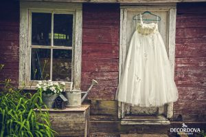 11-kingston-photographer-cute-wedding-dress.jpg